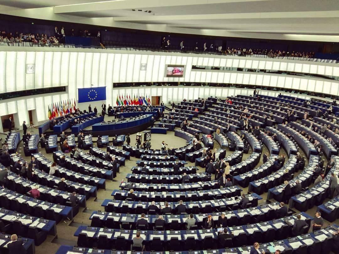 Due giorni da radiofonici al parlamento europeo 6023 for Diretta dal parlamento