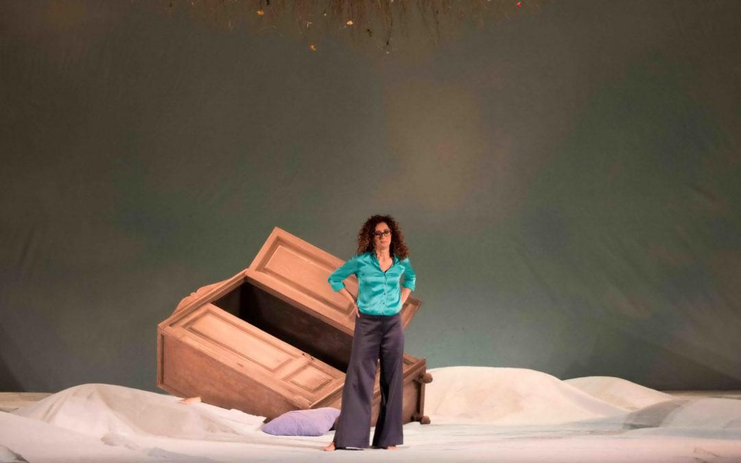 """""""Sento la Terra girare"""", Teresa Mannino al Teatro Civico di Vercelli"""